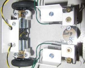 routage des câbles des moteurs