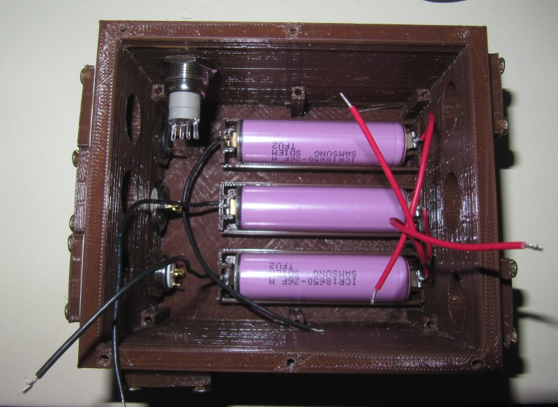 SauronPi : compartiment batteries avec batteries installées