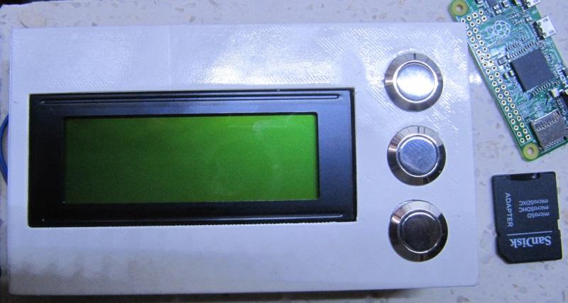 Écran et boutons installés sur le module de contrôle de Rlieh
